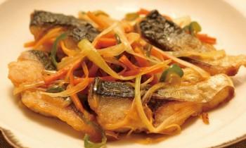 体全体が冷える方、内臓(おなかまわり)が冷える方におススメ ~焼きサバと細切り野菜のさっと煮~