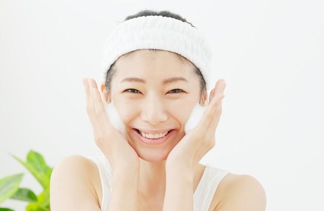 正しい洗顔方法は?やり方を間違えると肌トラブルの原因に?