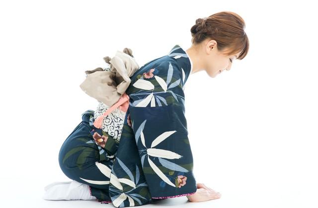 【和装・着物のマナー集】大人の女性を美しく見せる所作