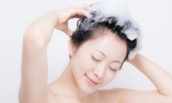 シャンプーに含まれるシリコンは害なの? 美容師に聞いたシリコンの効能と種類