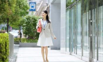 その歩き方、老けて見える!? 理想の歩き方で健康&プロポーションUP!