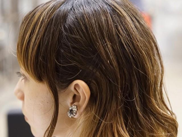 サイドのボリュームを抑えるヘアアレンジ_1