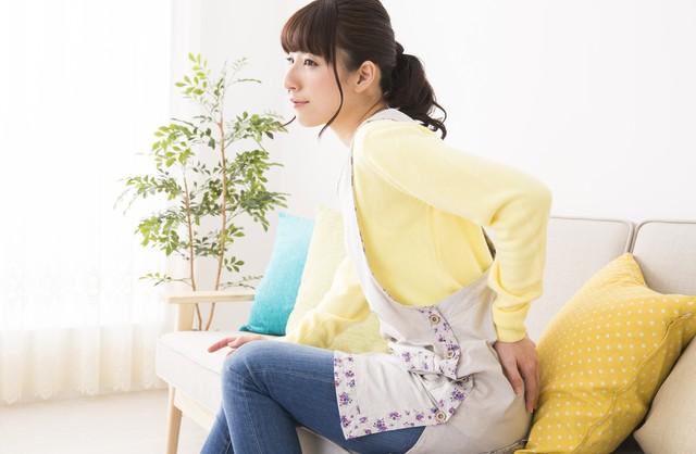 加齢だけじゃない! 女性に多くみられる腰痛の原因と対処法は?