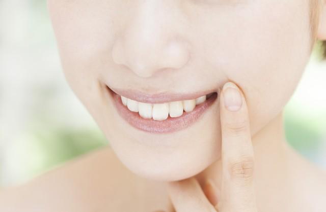 大人の女性のエチケット 気になる口臭の原因と対策法とは?