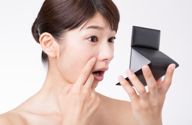 【老け顔の原因】口元のシワの原因とタイプ別の目立たせなくする方法!