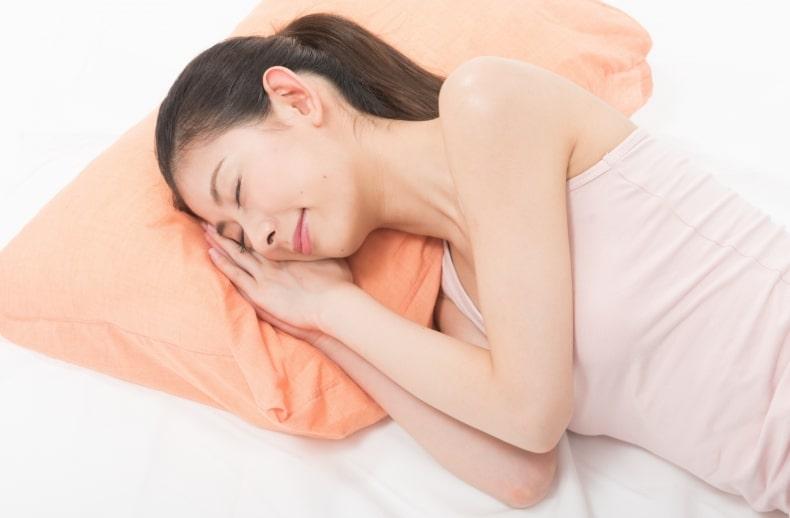 首のシワ 枕
